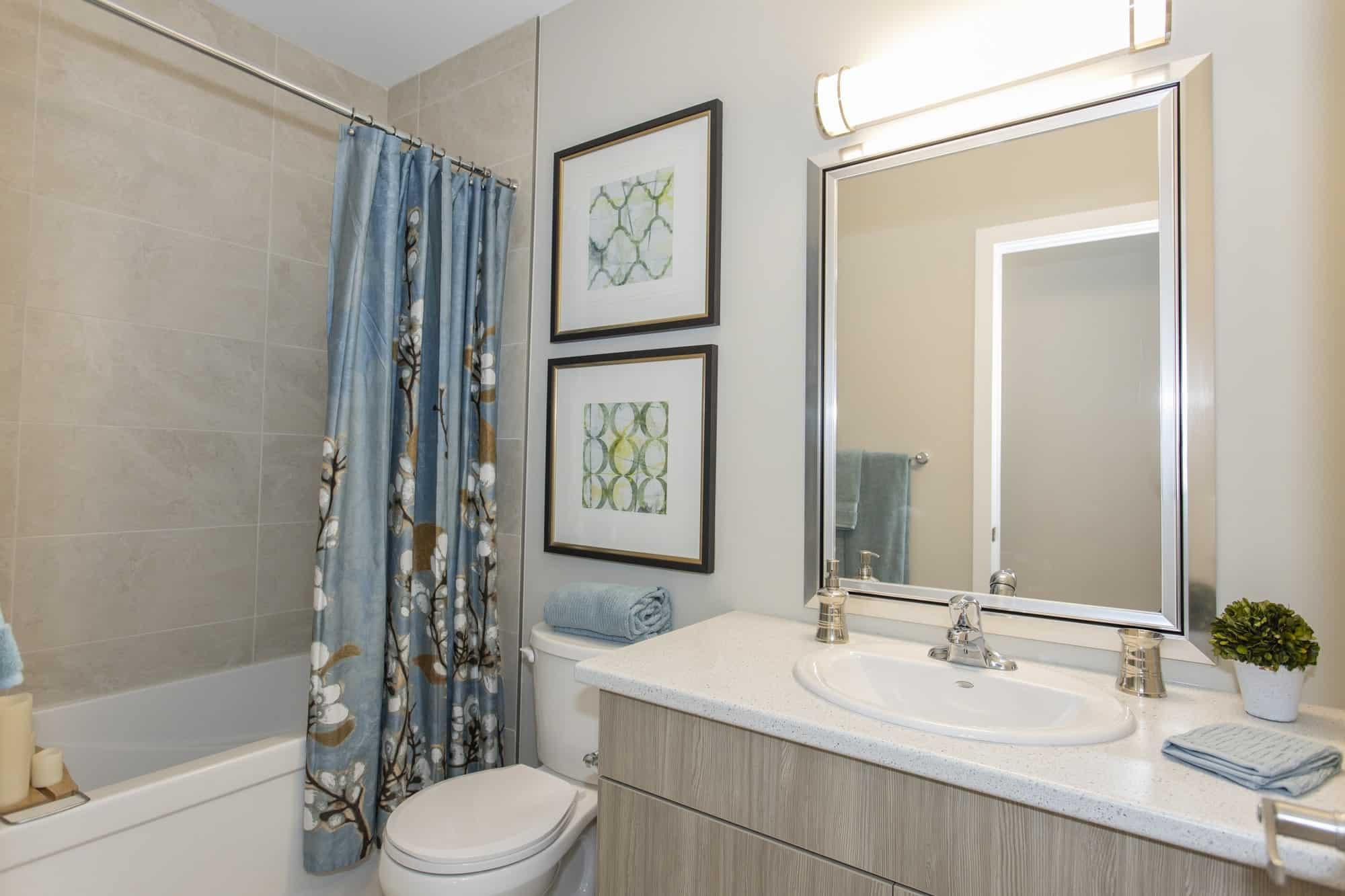 Fabergé-Bathroom